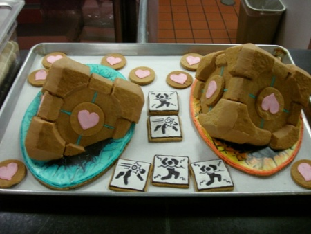 Gingerbread Portal Companion Cube